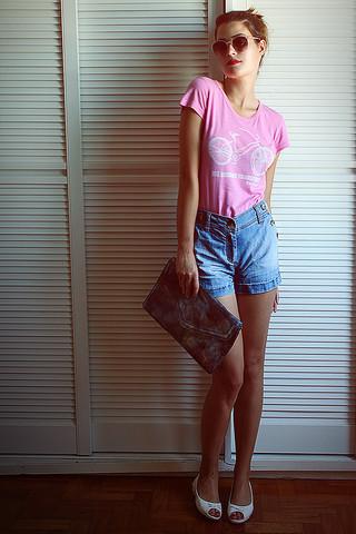 Raqueli W. - H&M Shades, Custo Shirt, H&M Shorts - Cherry blossom girl