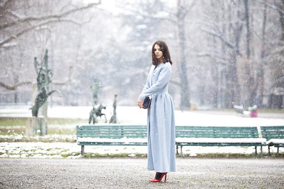 Doina Ciobanu - Yasya Minochkina Coat - MODERN SNOW WHITE