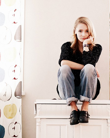 Petra Karlsson - Sweater, Watch, Romwe Shoes - Come on eileen